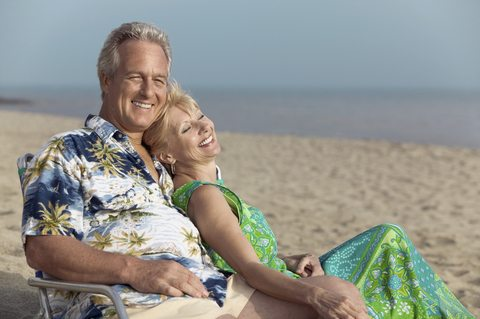 dt-amac-couple-relaxing-on-beach-may-2015