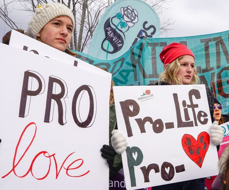 pro-life-protesters-reflection-reflections-student-march